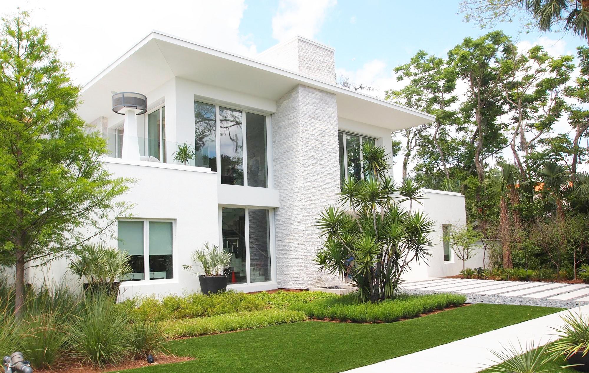 Casa cu geamuri din PVC